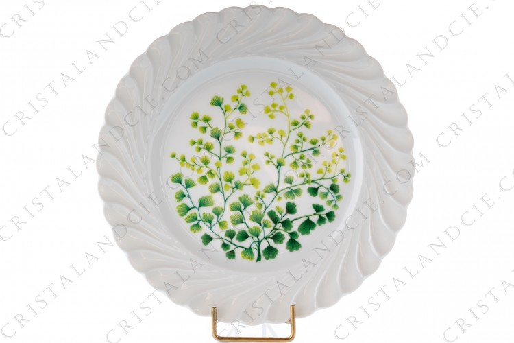 Dessert plate in Limoges china by Haviland patten Tors decorated with boughs
