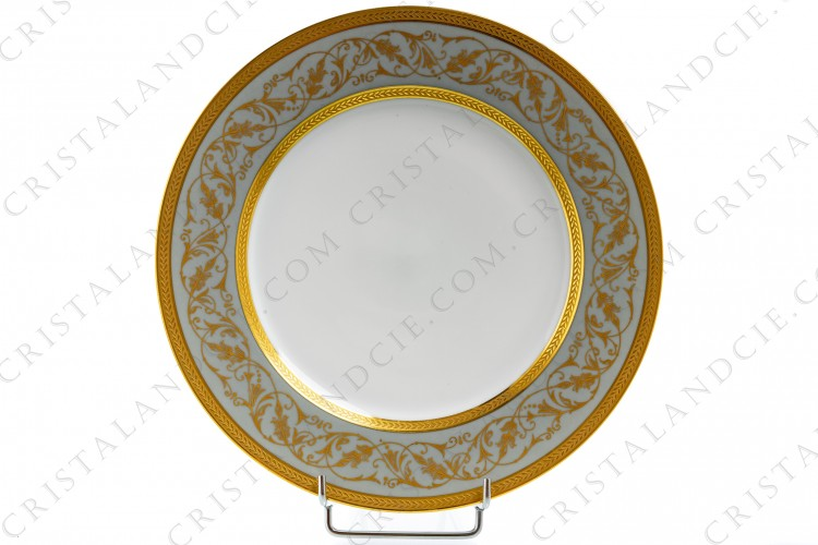 Blue dinner plate with foliage by Lafarge