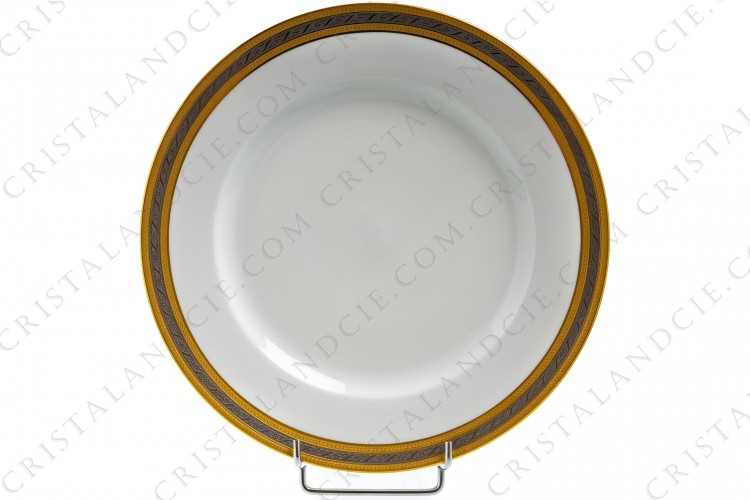 Assiette plate incrustations or et platine par Lafarge