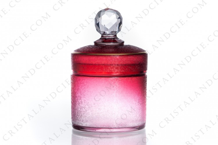 Powder box in pink crystal by Saint-Louis with an engraved in the acid pattern and a gold stripe photo-1