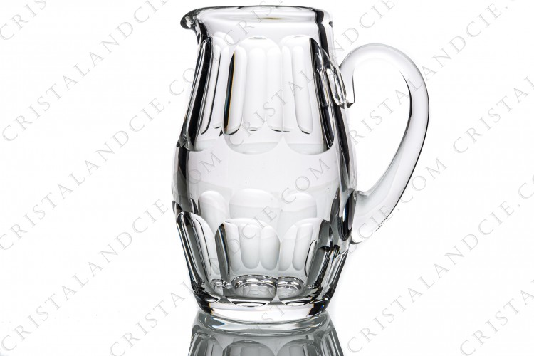 Water jug in crystal by Baccarat pattern Harcourt with an important cut pattern photo-1