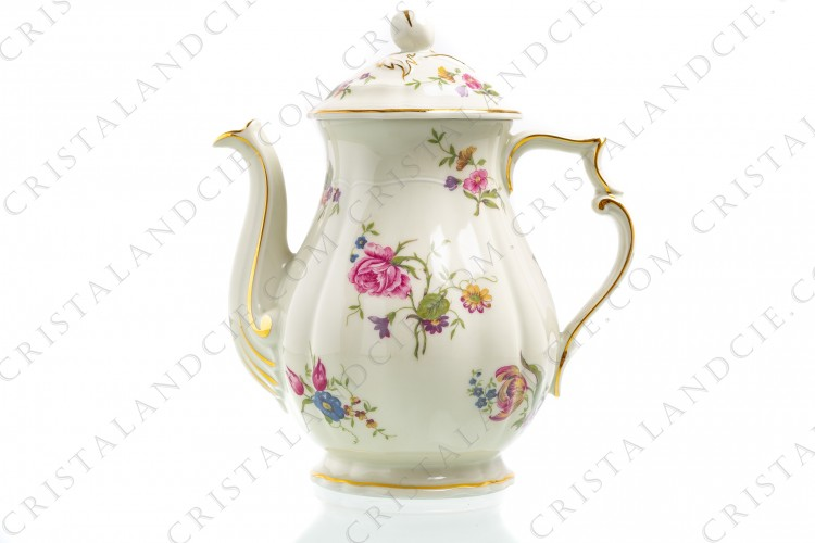Coffee pot in china of Limoges by Bernardaud shape Régence decorated with polychromes flowers
