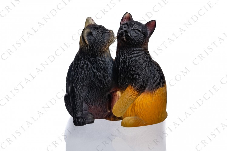 Figure in black and yellow pate de verre by Daum pattern kittens, representing a kitten licking a second one photo-1