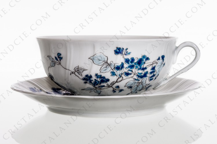 Breakfast cup in Limoges china by Bernardaud pattern Yolande decorated with blue flowers photo-1