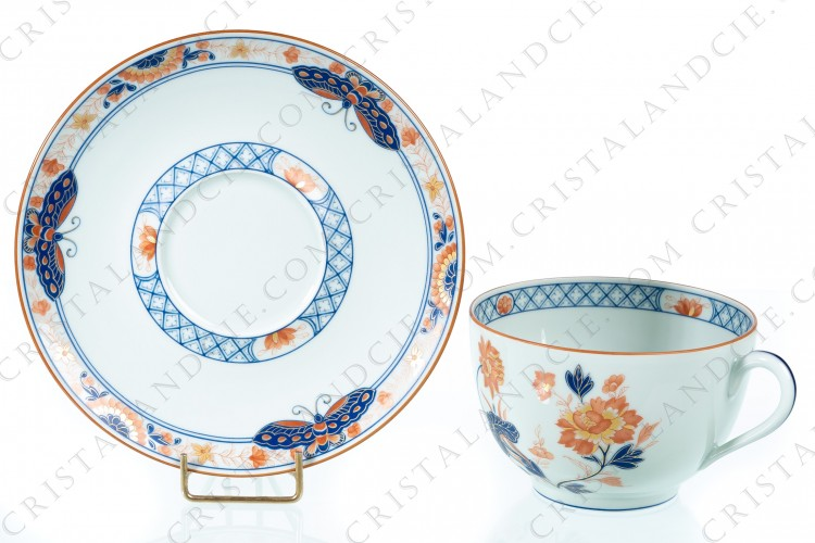 Breakfast cup in Limoges china by Haviland et Parlon pattern Taï-Yuan, decorated with red, blue and gold flowers, friezes and butterflies on a Celadon paste photo-1