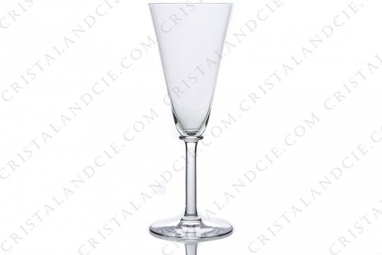 Champagne flute in crystal by Baccarat pattern 100-192 decorated with a ring on the dawn of the stem, and one under the gob