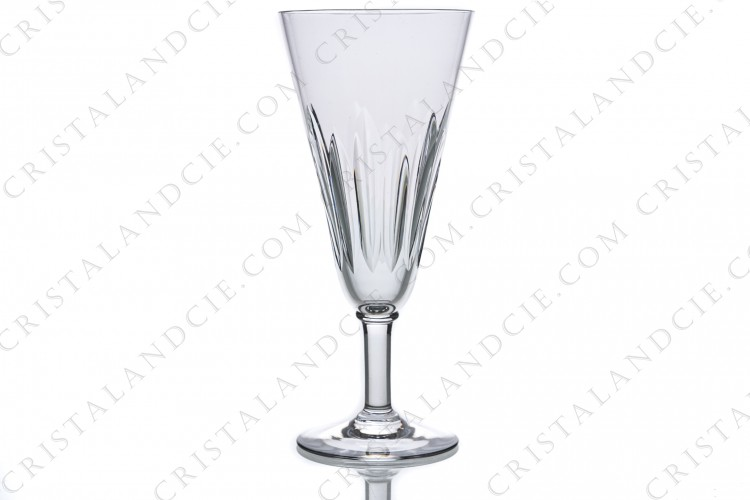 Champagne flute in crystal by Baccarat pattern Cassino decorated with cut bevels
