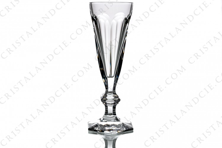 Champagne flute in crystal by Baccarat pattern Harcourt with an important cut pattern