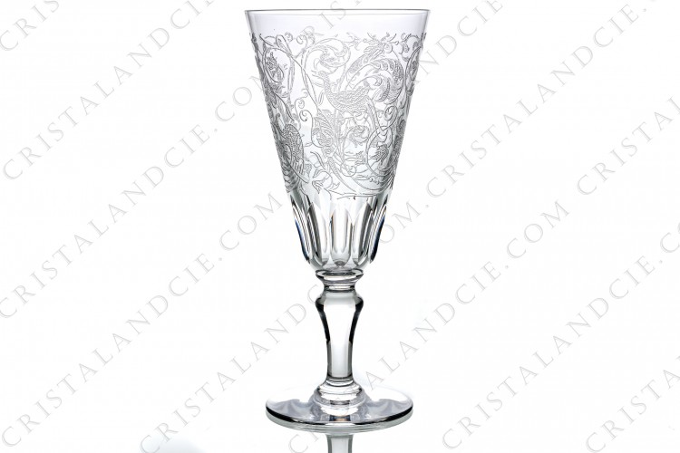 Champagne flute in crystal by Baccarat pattern Parme with a cut and engraved pattern of vegetal arabesques and birds of paradise