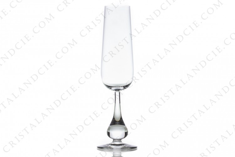 Champagne flute in crystal by Baccarat pattern Pavot with the foot as a gout
