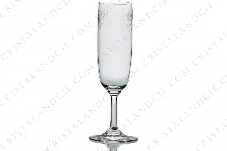 Champagne flute in crystal by Baccarat pattern Sévigné with an engraved pattern of arabesques photo-1