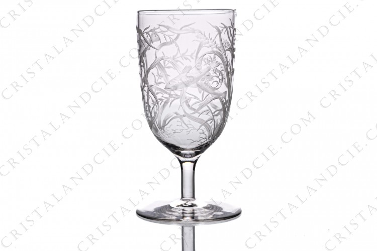 Tumbler with foot in crystal with an important hand-engraved pattern of seaweeds and fishes photo-1