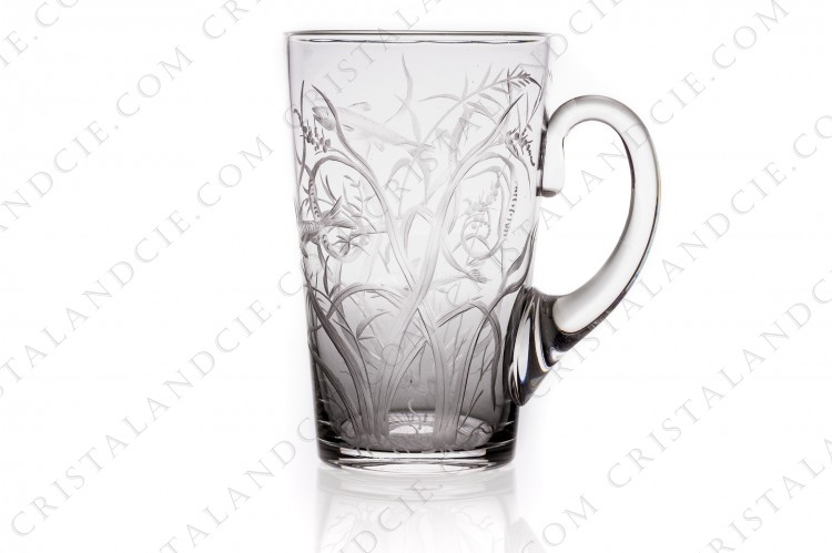 Tumbler with handle 1 in crystal with an important hand-engraved pattern of seaweeds and fishes