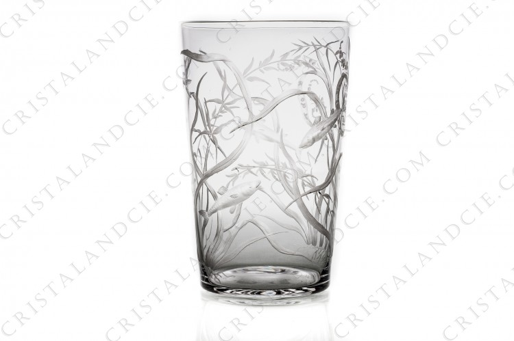 Tumbler 1 in incised crystal by Baccarat or Saint-louis ?