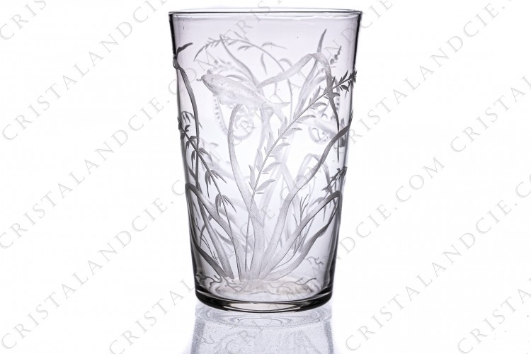 Tumbler in engraved crystal by Baccarat or Saint-louis ?