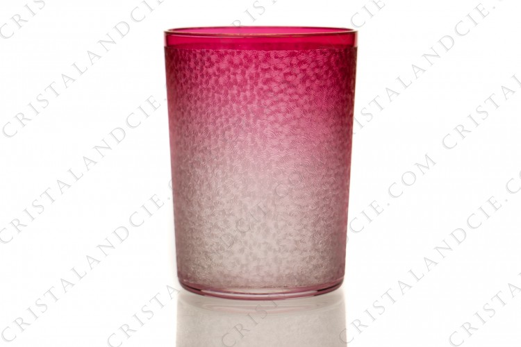 Pink tumbler engraved with acid by Saint-Louis