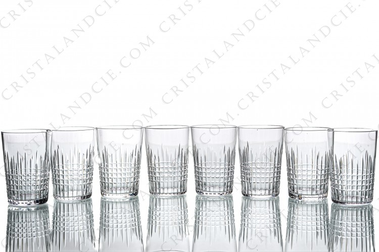 Set of eight tumblers in crystal by Baccarat pattern Nancy with an important cut pattern of grid