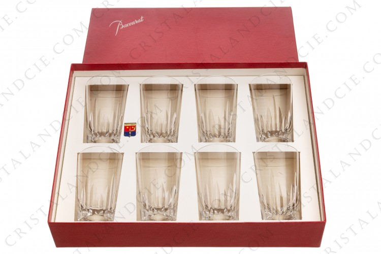 Set of eight tumblers in crystal by Baccarat Pattern Spear cut with a cut pattern