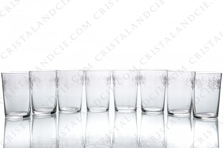 Set of eight small tumblers in crystal by Baccarat pattern Sévigné with an engraved pattern of arabesques photo-1