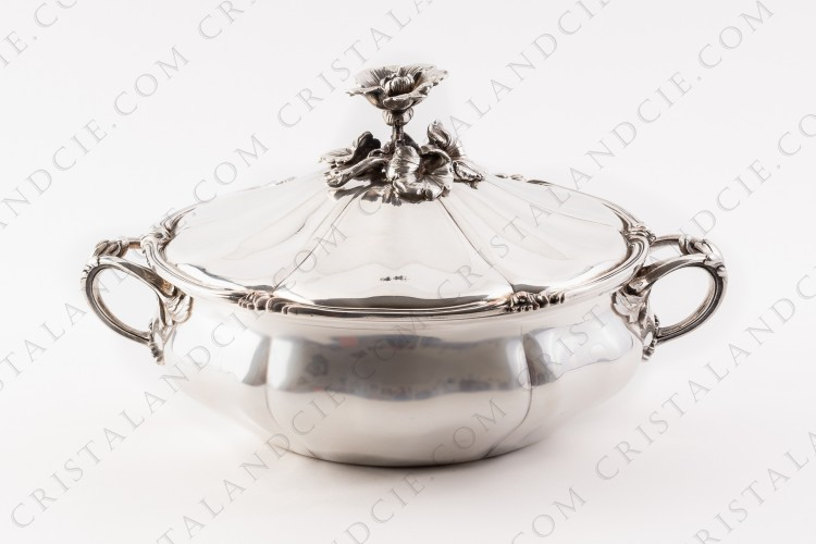 Covered vegetable in plated silver by Christofle with a fine chiselled vegetable pattern photo-1
