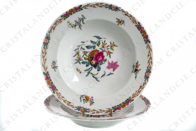Pair of soup plates in Limoges china by Haviland pattern Pondichery decorated with polychromes flowers photo-1