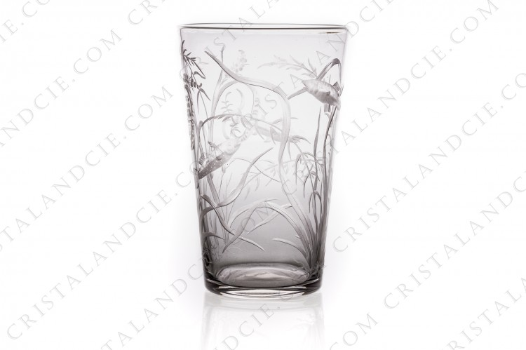 Small tumbler in crystal with an important hand-engraved pattern of seaweeds and fishes