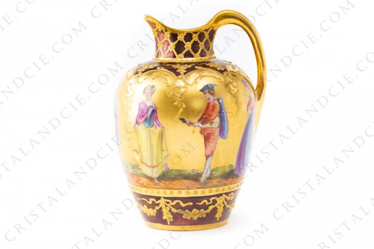 Small pot in Dresden china decorated with hand enameled characters on a gold backgroung by Richard Klemm photo-1