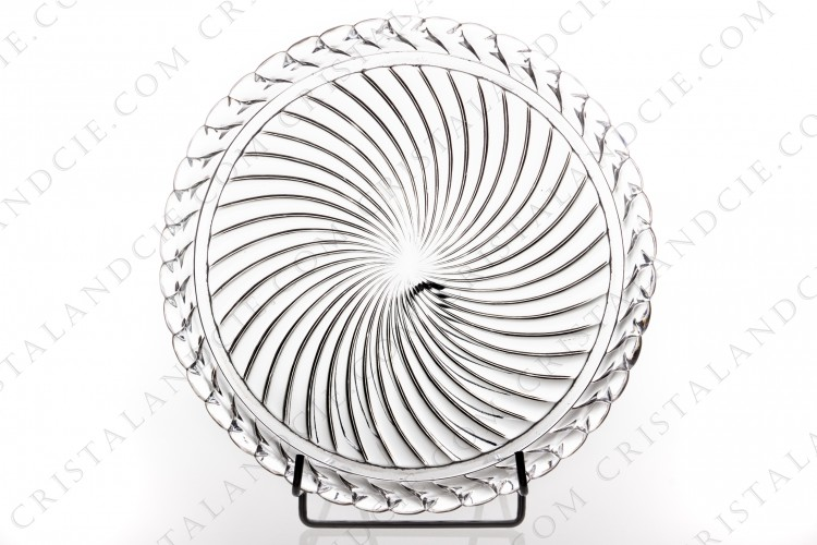 Round tray in crystal by Baccarat pattern Swirl photo-1