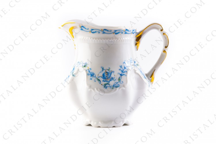 Creamer blue flowers by the Ancienne Manufacture Royale