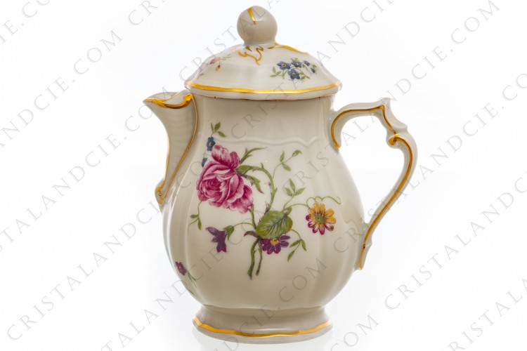Creamer in china of Limoges by Bernardaud shape Régence decorated with polychromes flowers