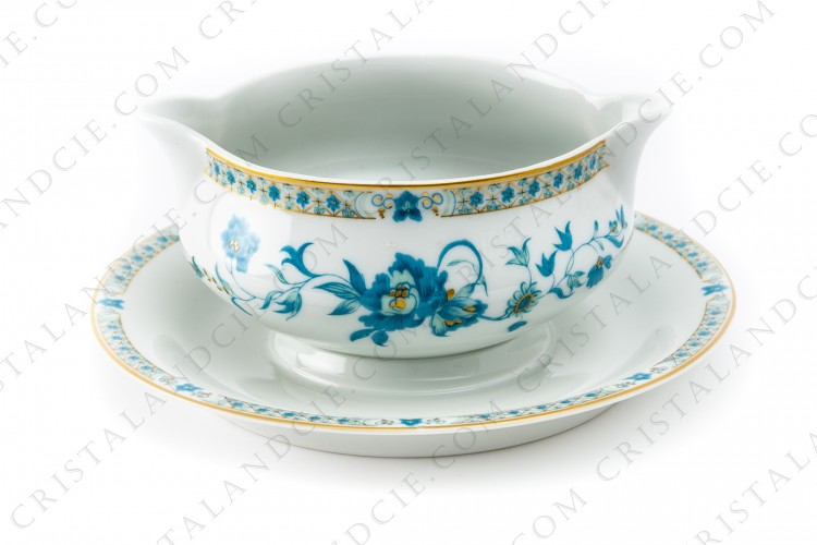 Gravy boat in Limoges china by Haviland, pattern Nankin decorated with blue and gold flowers photo-1