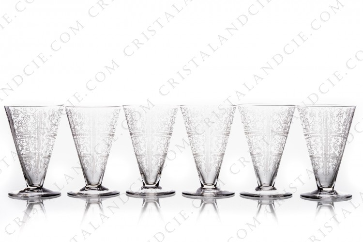 Set of six wine glasses n°4 in crystal by Baccarat pattern Lido with an engraved Art Deco pattern photo-1