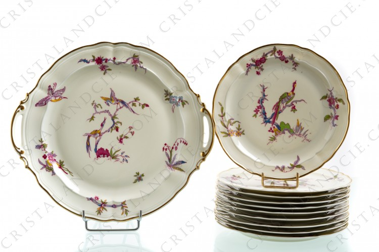 Cake set in china of Limoges by Bernardaud pattern Chantilly with a Japanese polychrome pattern of flowers and birds of paradise