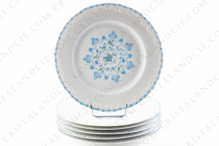 Six dinner plates blue flowers by the Ancienne Manufacture Royale
