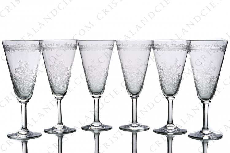 Set of six Champagne flute in crystal by Baccarat pattern Lafayette with an important engraved pattern of vegetables arabesques