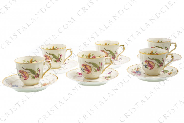 Set of six coffee cups in china of Limoges by Bernardaud shape Régence decorated with polychromes flowers