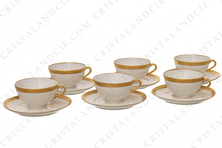 Six tasses à café incrustations or par Chastanier