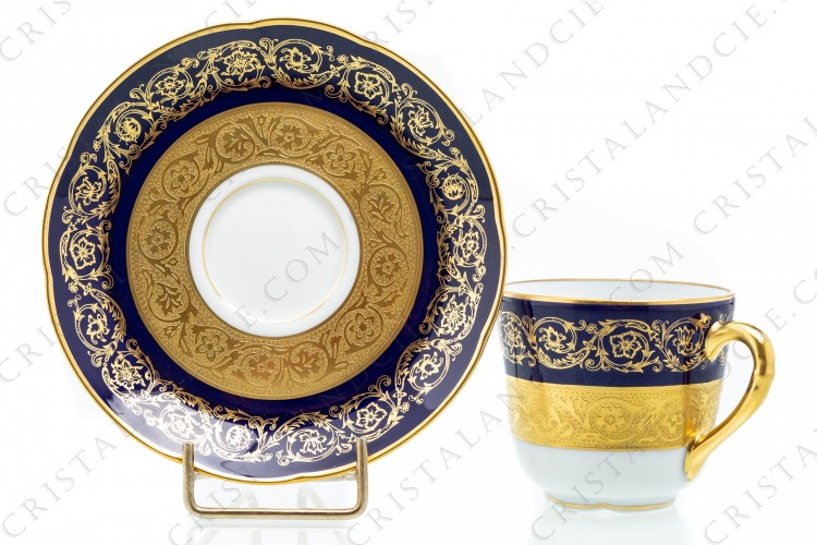 Set of six coffee cups in china of Limoges by Bernardaud pattern Monte Carlo cobalt blue richly decorated with flowered arabesques on a cobalt blue background and gold inlays