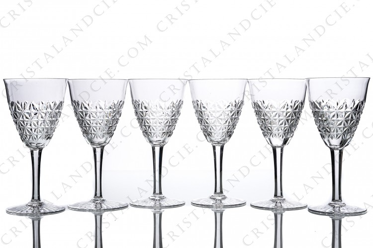 Set of six water glasses n°2 in crystal by Baccarat pattern Bellinzona with an important cur pattern on the gob and the foot