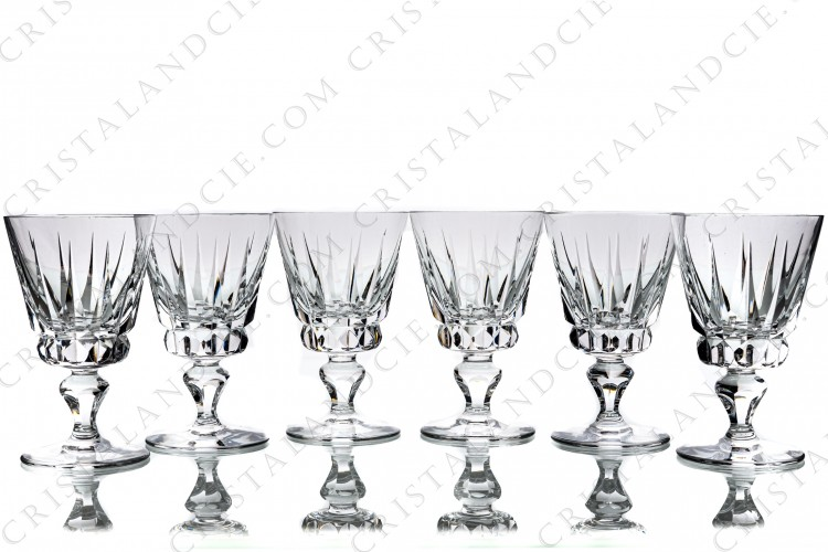 Set of six water glasses n°2 in crystal by Saint-Louis pattern Guernesey with a cut pattern on the gob