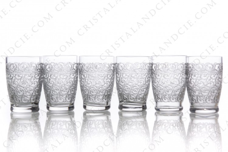 Set of six cordial glasses in crystal by Baccarat pattern Gouvieux ( engraved Rohan) with an important engraved pattern