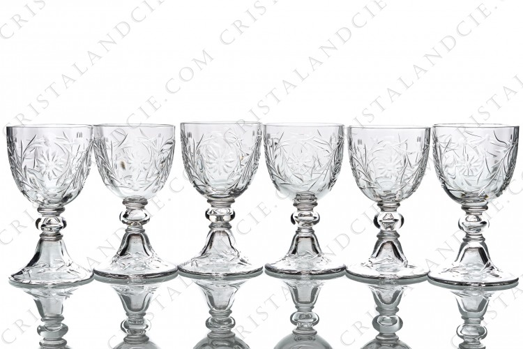 Set of six Sherry glasses n°5 in crystal by Baccarat shape 6185 cut 6295 with a cut pattern of flowers and arabesques