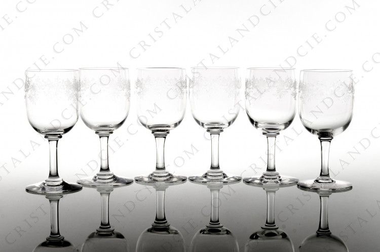 Set of six Sherry glasses n°5 in crystal by Baccarat pattern Sévigné with an engraved pattern of arabesques