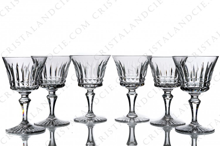 Set of six wine glasses n°3 in crystal by Baccarat pattern Buckingham with an important cut pattern on the gob and the foot