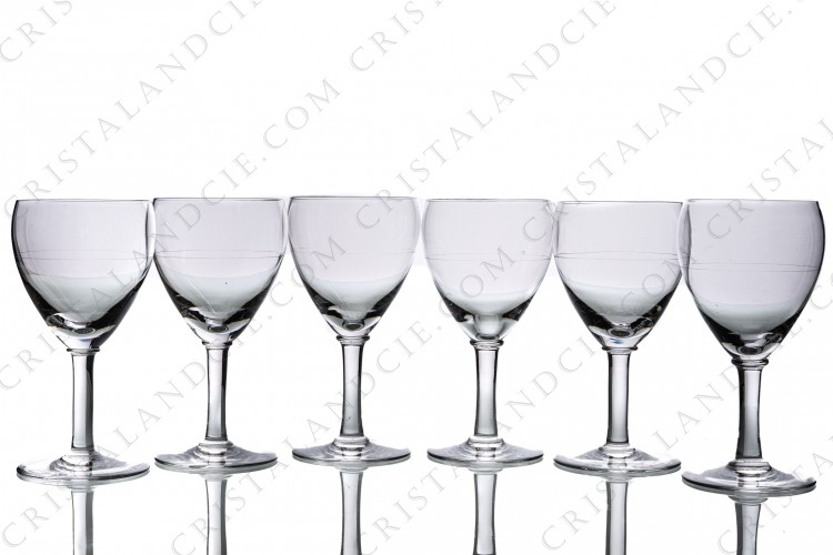 Set of six wine glasses n°3 in crystal by Baccarat pattern Chambolle decorated with a small engraved stripe around the gob