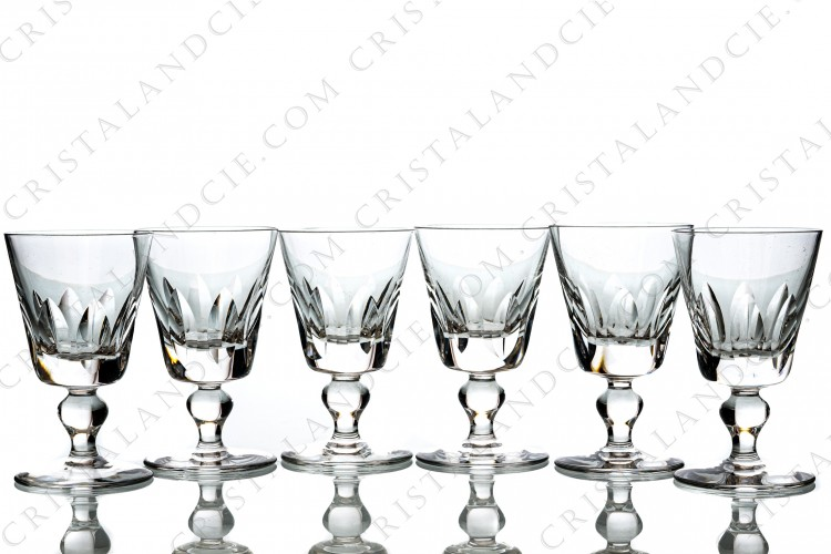 Set of six wine glasses n°4 in crystal by Saint-Louis pattern Jersey with a cut pattern