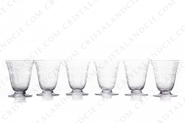 Set of six wine glasses n°3 in crystal by Baccarat pattern Michelangelo with an important engraved pattern photo-1