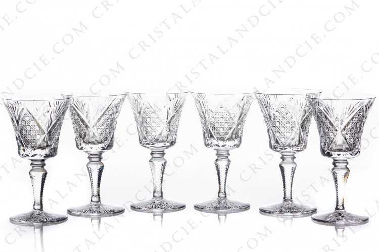 Set of six wine glasses n°3 in crystal by Saint-Louis pattern Vologne with an important cut pattern photo-1