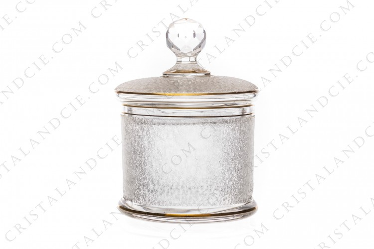 Sugar bowl in crystal by Saint-Louis with an engraved with the acid pattern and gold stripes