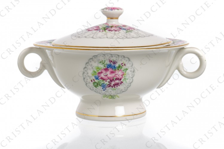 Sugar bowl in china of Limoges by Haviland decorated with bouquets of flowers inset, with friezes of flowers and gold borders